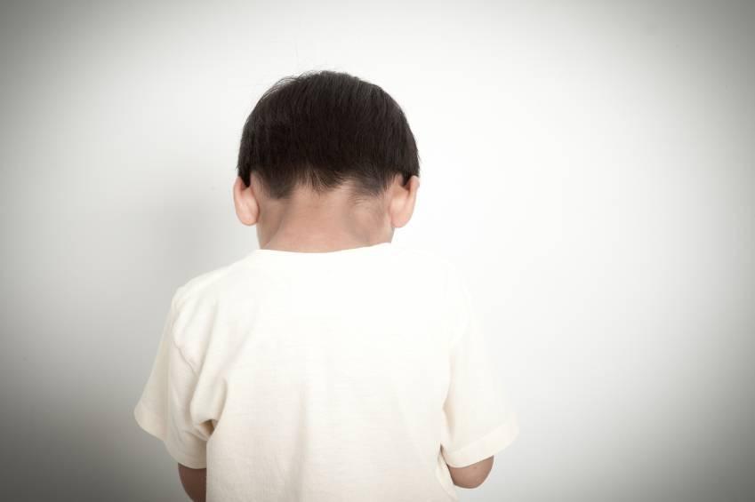Abusi sui bambini e telecamere negli asili