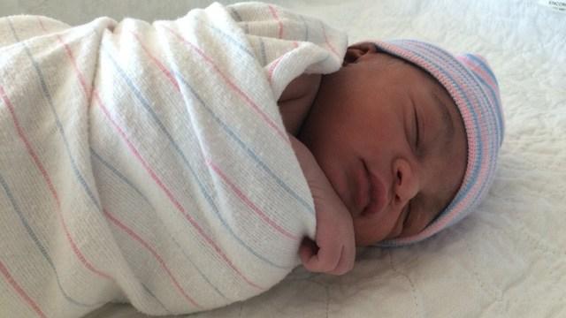 Non riconoscere il neonato come figlio: i diritti della partoriente