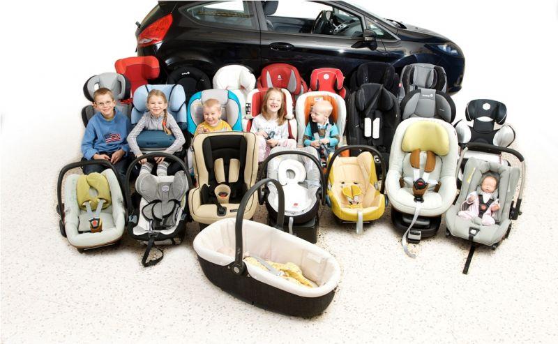 Bambini e seggiolini auto: le novità